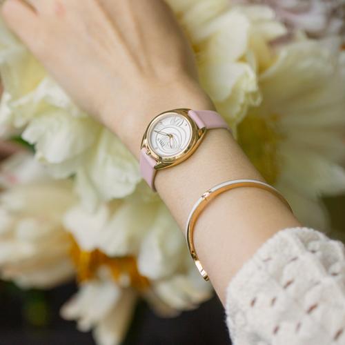 「约定」系列两针石英皮革腕表(W06-03133-006)